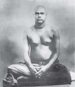 Swami_Ramakrishnananda_seated